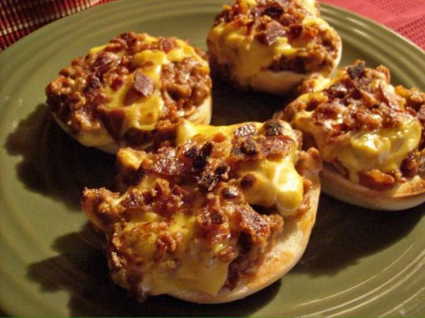 Bacon & Cheese Topped Chili Meatloaf Bagels
