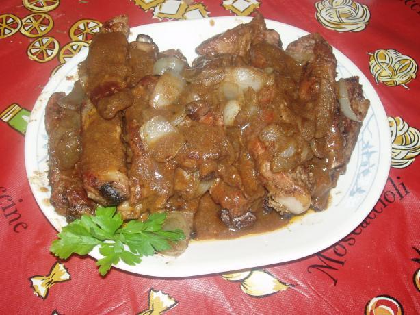 Gewürzte Schweinsrippchen (Braised Spicy Spareribs)