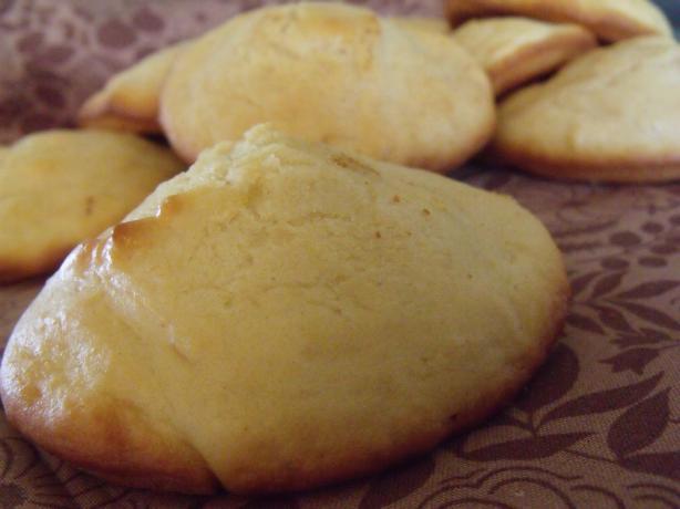 Simple Vanilla Muffins