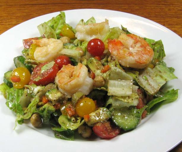 Mediterranean Salad With Shrimp
