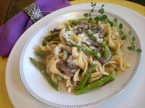 Paparadelle With Mushrooms, Asparagus and Pignoli