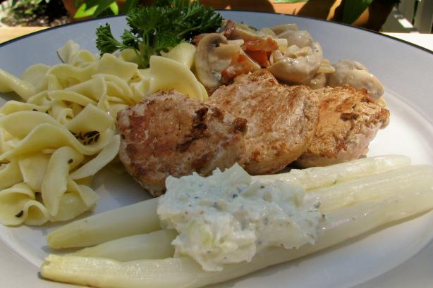 Pork Loin With Asparagus (Schweinelendchen Mit Spargel)