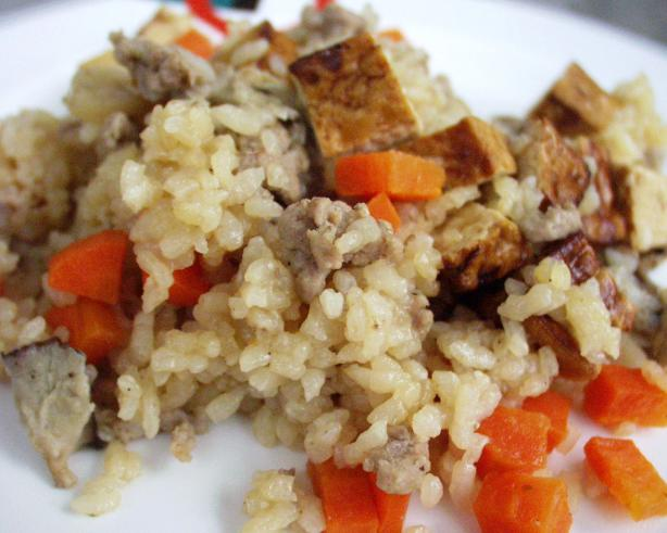 Kayaku Gohan (Rice With Vegetables)