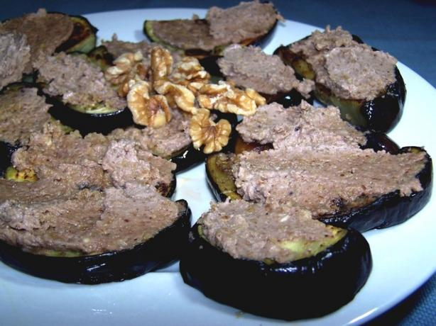 Moldovan Eggplant With Garlic and Walnut Sauce (Appetizer)