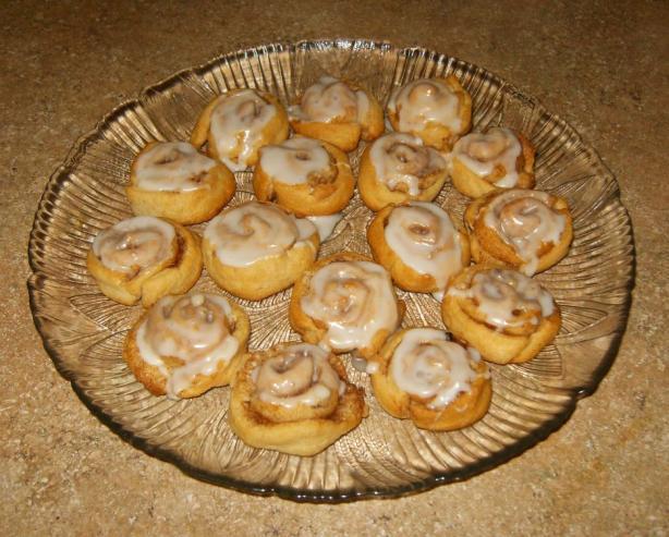 Petite Cinnamon Rolls in a Jiffy!