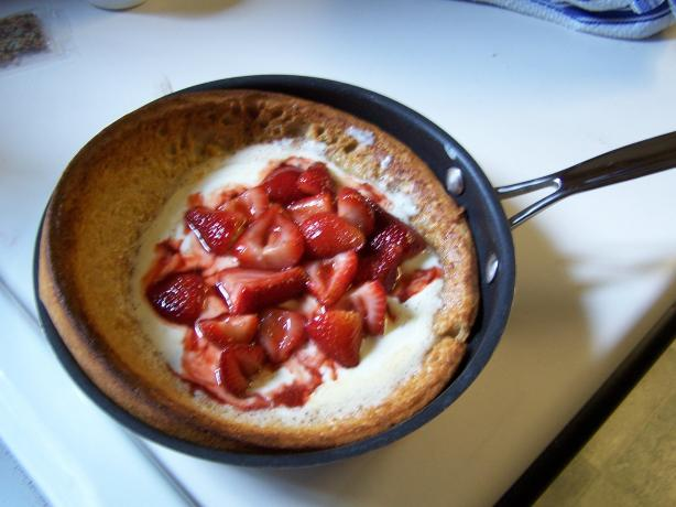 Creamy Strawberry Puff Pancake
