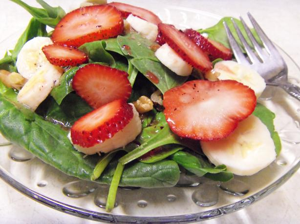 A Different Spinach Salad
