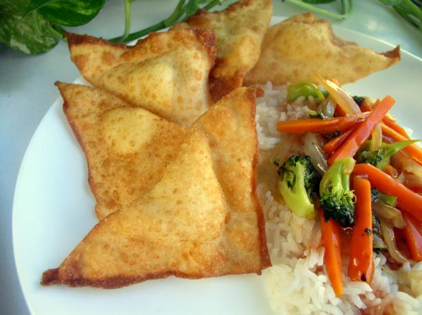 Garlicky Cream Cheese Wontons