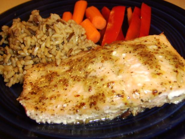"Delicious and Simple Baked Salmon With ""fancy"" Sauce"
