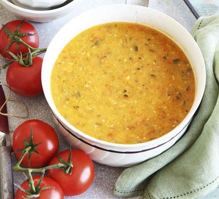 Courgette & tomato soup