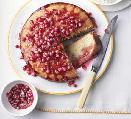 Vanilla & pomegranate cake