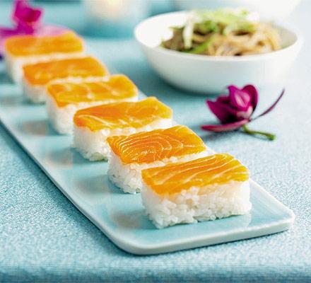 Easy salmon sushi
