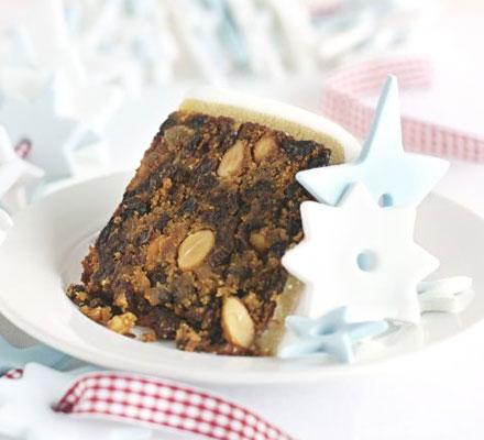 Sherry & almond Christmas cake