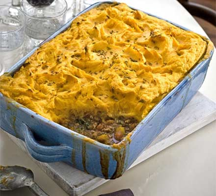 Fragrant shepherd's pie with apricots