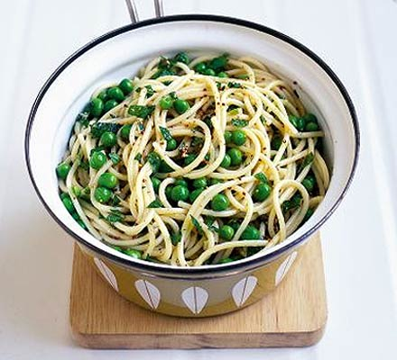 Summer pasta with peas & mint