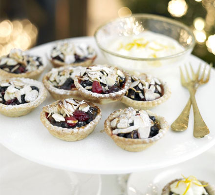Orange, cranberry & almond mince pies