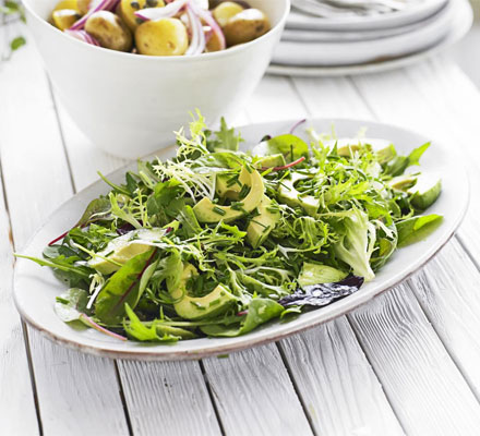 Green salad with avocado