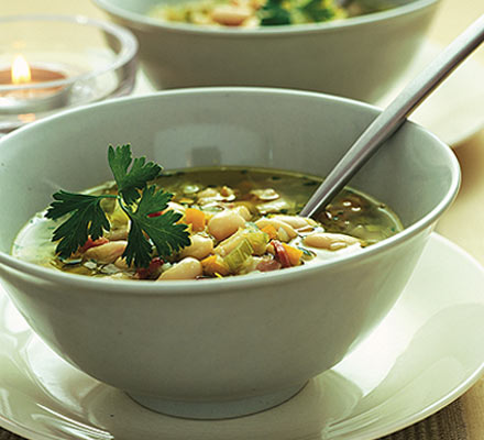 Winter cannellini bean soup