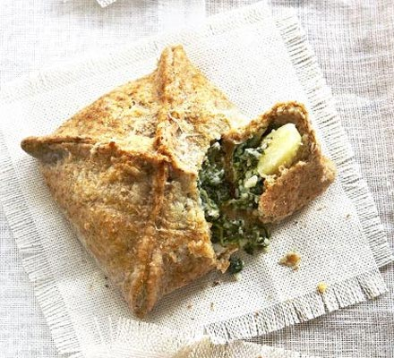 Wholemeal spinach & potato pies