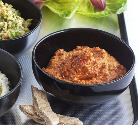 Tangy roast pepper & walnut dip