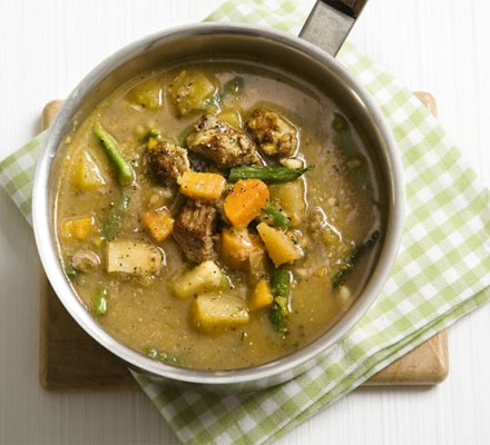 Hearty lamb & barley soup