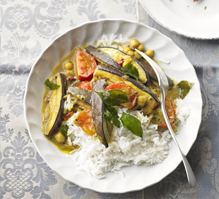 Aubergine & chickpea curry