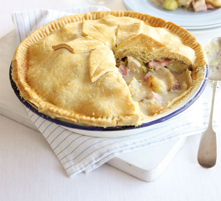 Chicken, ham, leek & roast potato pie