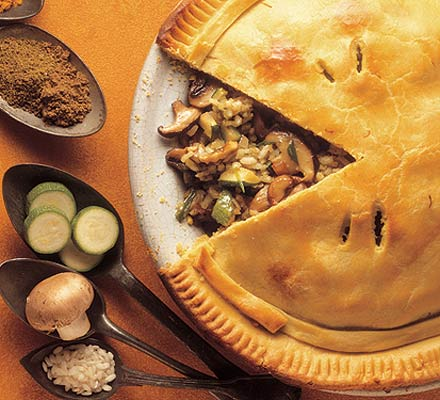 Mushroom & courgette rice pie
