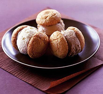 Italian cookies & ice cream