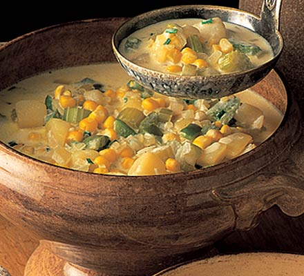 Corn chowder with garlic croûtons
