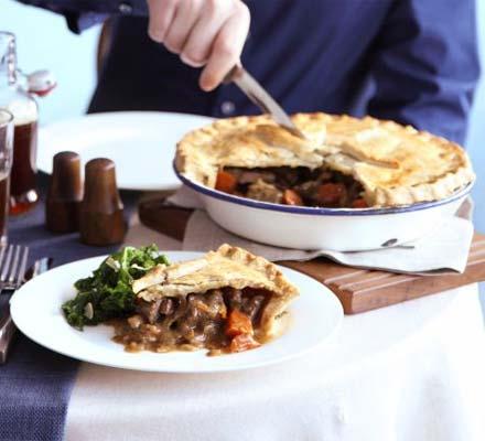 Proper beef, ale & mushroom pie