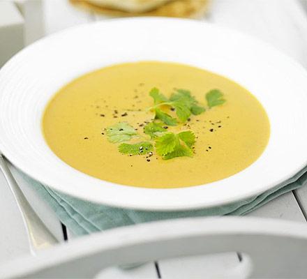 Speedy sweet potato soup with coconut