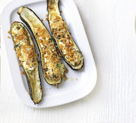 Cheesy baked courgettes