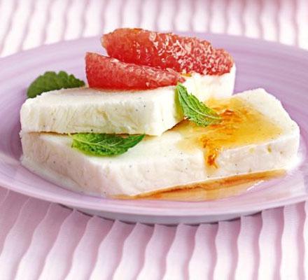 Vanilla yogurt ice with honeyed pink grapefruit