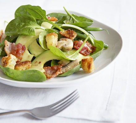 Baby spinach & bacon bistro salad