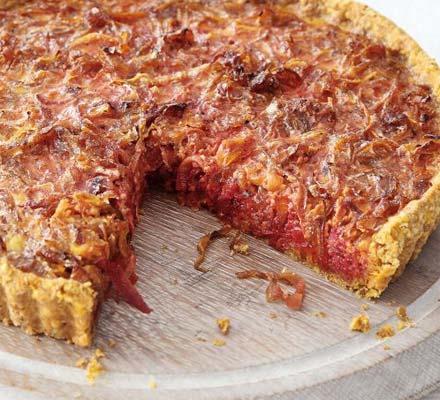 Beet & caramelised onion tart