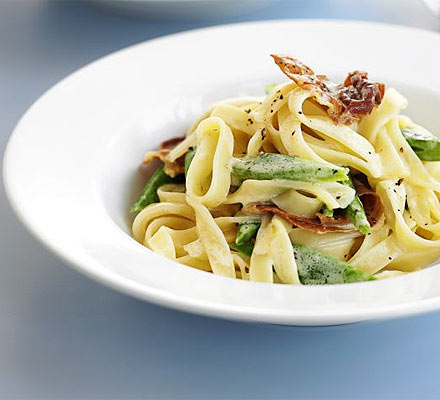 Runner bean & prosciutto pasta