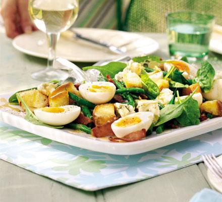 Baby spinach bistro salad
