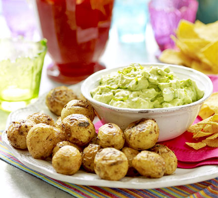 Avocado & citrus dip with spicy spuds & tortilla chips
