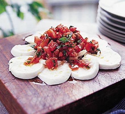 Mozzarella with tomato & chilli salsa