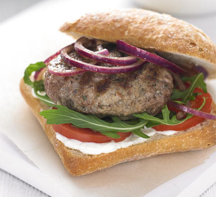 Rosemary & garlic lamb burgers