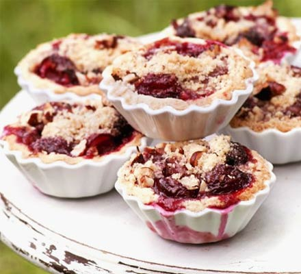 Cherry crumble pies