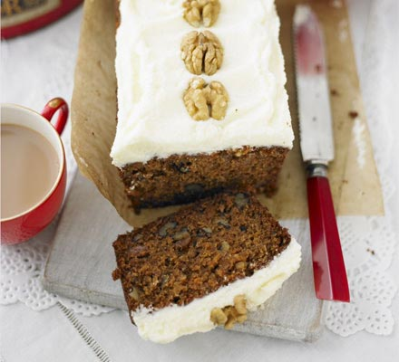 Carrot cake with cinnamon frosting