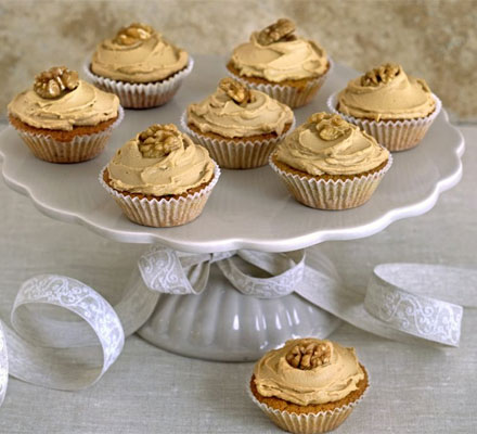 Coffee cream & walnut cupcakes