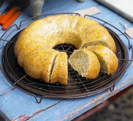 Grapefruit & poppy seed cake