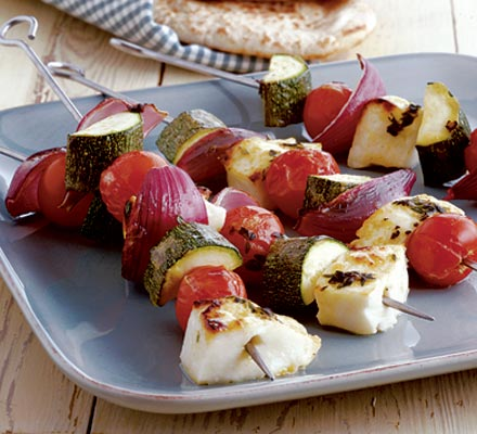 Halloumi kebabs with thyme & lemon baste