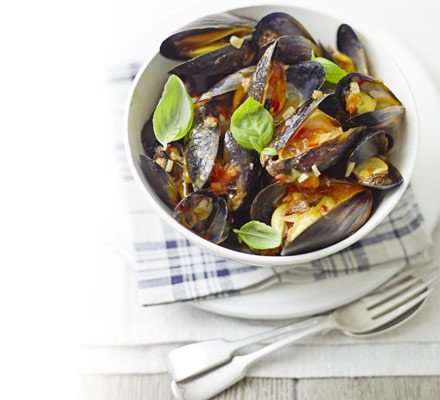 Mussels with tomatoes & chilli