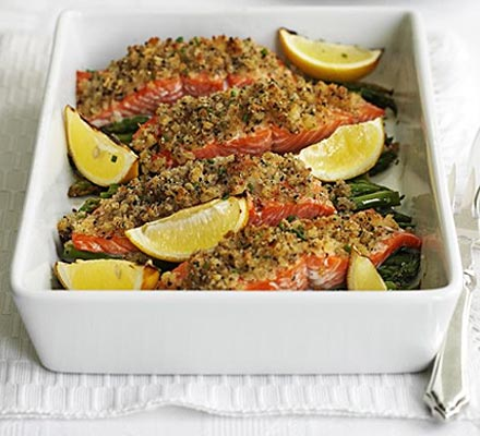 Pepper & lemon crusted salmon with asparagus