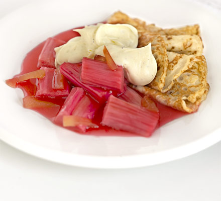 Rhubarb compote with vanilla crème fraîche & pancakes