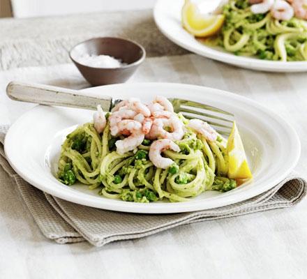 Pea pesto & prawn spaghetti